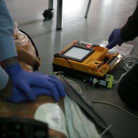 defibrillatore entra a scuola